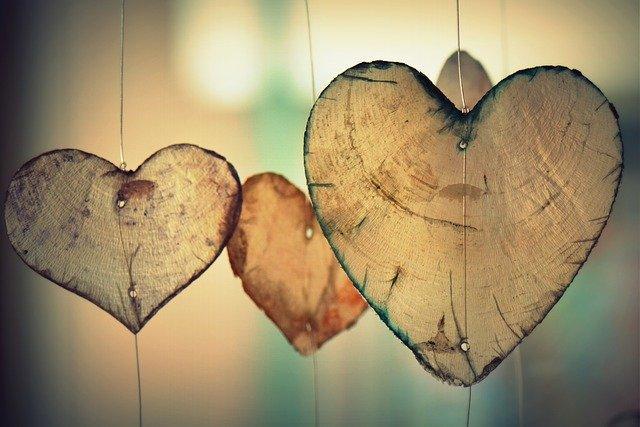 Heart 700141 640